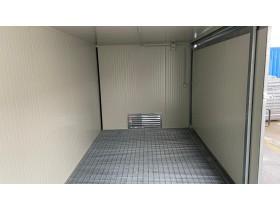 Gedämmter Container mit Auffangwanne  - 300 x 230 - h 240 | Container.biz